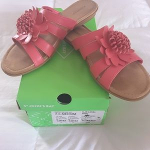 Adorable pink sandals size 7.5
